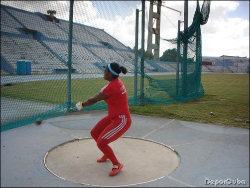 De Cuba: Guillermo Martínez y Yipsi Moreno brillan en conclusión de Copa Cuba de atletismo.