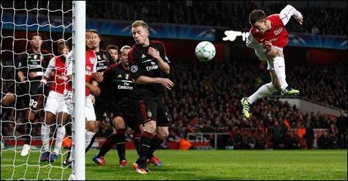 Laurent-Koscielny-hizo-cabeza-primer-gol-Arsenal
