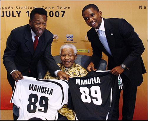 Las mejores fotos de Nelson Mandela y su influencia en el deporte - BBC Mundo - Video y Fotos - 2013-12-06_13.54.02