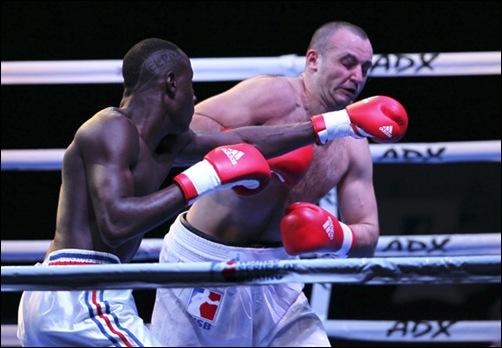Erislandy Savon de cuba en 91 kg le gano a Vitaly  Kudukhov