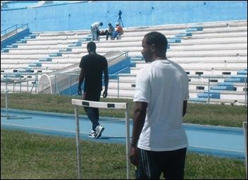 Pedroso supervisa el entrenamiento de Teddy Tamgho en La Habana_Deporcuba