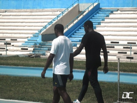 Teddy Tamgho e Iván Pedroso en Estadio Panamericano de La Habana
