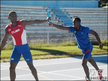 Chacon y Acea_Relevo Cuba_Atletismo_Deporcuba