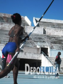 Yarisley Silva_Entrena_La Habana_2015_DeprCuba (12)