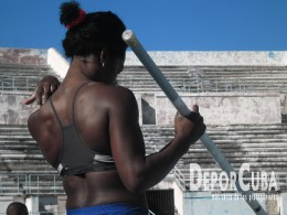 Yarisley Silva_Entrena_La Habana_2015_DeprCuba (5)