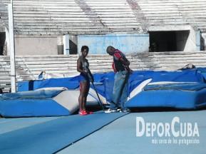 Yarisley Silva_Entrena_La Habana_2015_DeprCuba (8)
