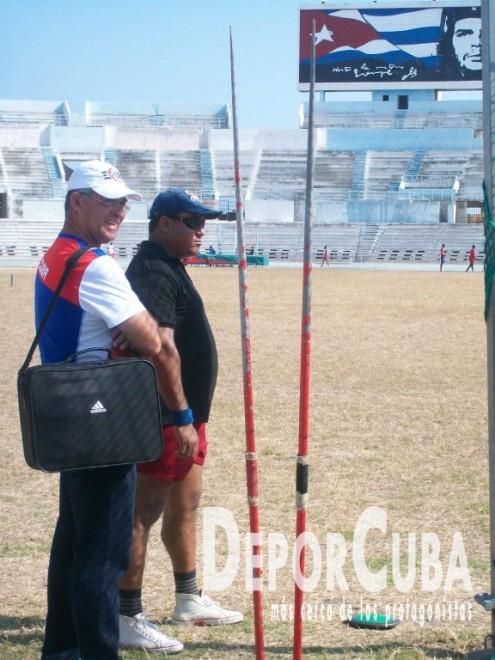 Atletismo se prepara_Foto by Deporcuba (1)