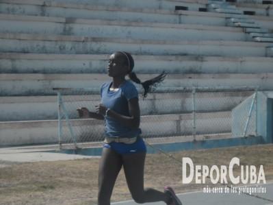 Atletismo se prepara_Foto by Deporcuba (15)