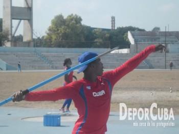 Atletismo se prepara_Foto by Deporcuba (19)