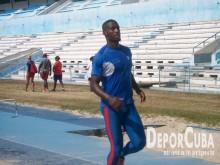 Atletismo se prepara_Foto by Deporcuba (2)
