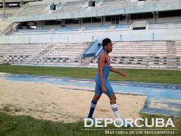 Ernesto Reve-triple salto -Cuba_Rio_Deporcuba