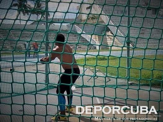 Roberto Janet- lanzamiento del martillo -Cuba_Rio_Deporcuba (1)