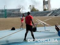 Lázaro Borges da su primeros saltos después de recuperarse de una lesión
