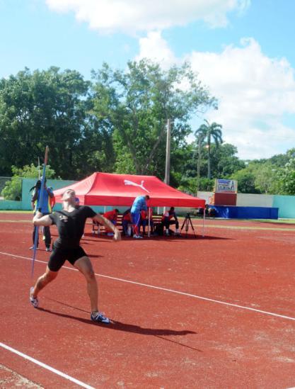 Inaguración de la nueva pista de atletismo en Camagüey