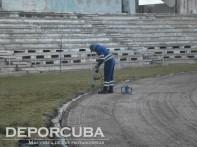 Montaje de la nueva pista del Estadio Panamericano (Obreros en plena jornada de trabajo)