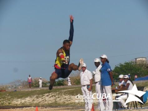 Echevarría jumps 8.92 in Copa Cuba in Havana