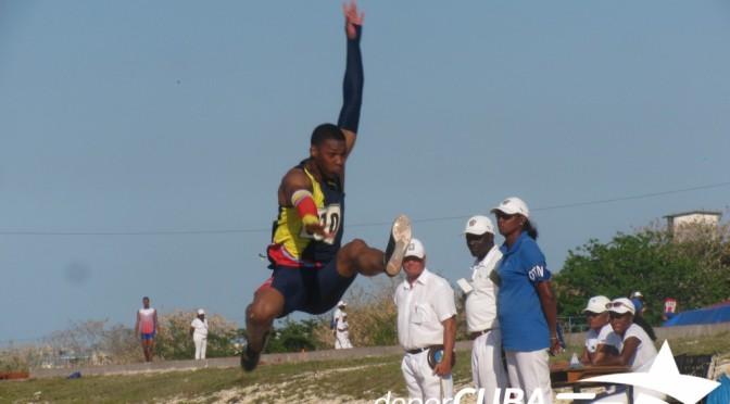 Echevarría se estira hasta los 8.92 metros en el cierre de la Copa Cuba